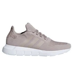 NEW Adidas Swift Run Vapour Grey Casual Sneakers